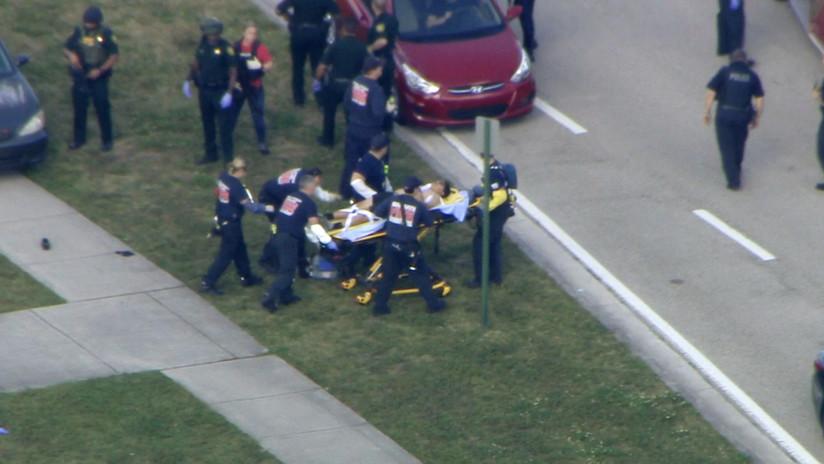 Fuertes imágenes desde el interior de la escuela de Florida donde se produjo el tiroteo masivo