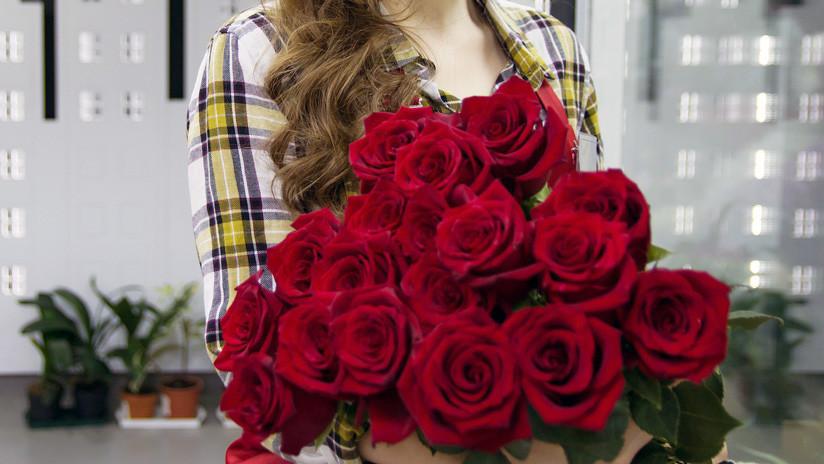 "Una joven le regala una insólita ""cosa de hombres"" a su pareja (FOTO, VIDEO)"