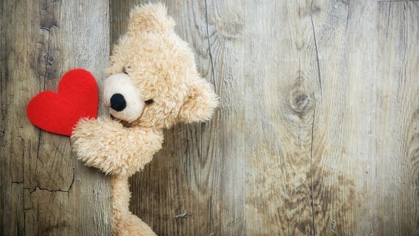 EMOTIVO VIDEO: Recompensa para niño que regaló tarjetas de San Valentín a todos y no recibió nada