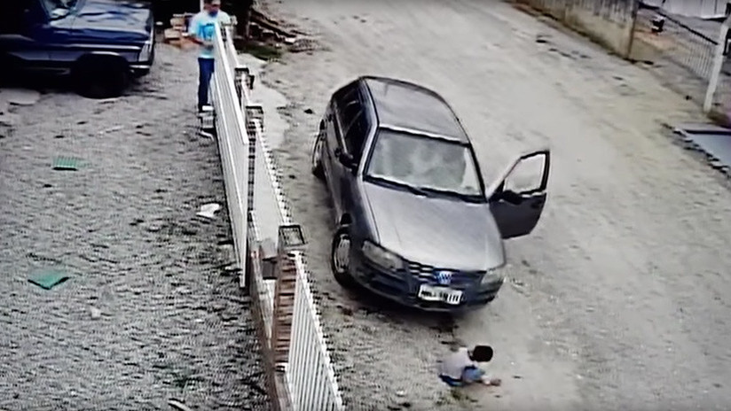 VIDEO: Un hombre atropella por accidente a su sobrino y sucede esto