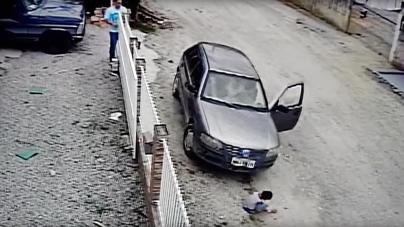 VIDEO: Un hombre atropella por accidente a su sobrino y sucede esto