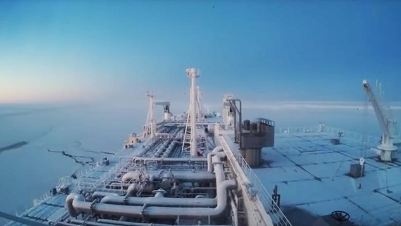 VIDEO: Un buque cisterna cruza por primera vez y sin rompehielos las aguas del Ártico en invierno