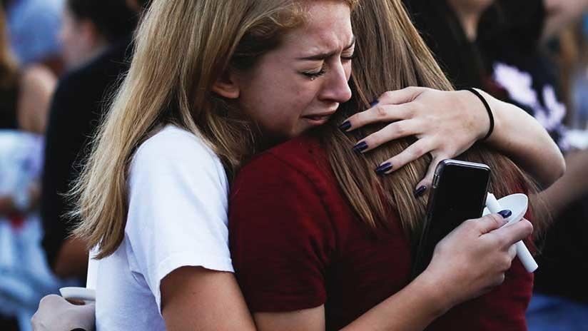 """""""Señor presidente, por favor, actúe"""": exigen un mayor control de armas tras el tiroteo en Florida"""