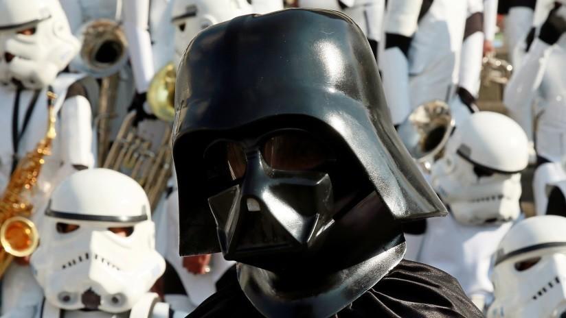 'Que la tostada te acompañe': Musk muestra electrodoméstico con forma de casco de Darth Vader (FOTO)