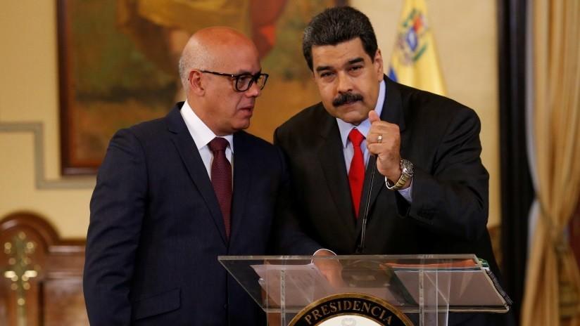 Maduro adopta la lengua de señas en su discurso al pueblo (VIDEO)
