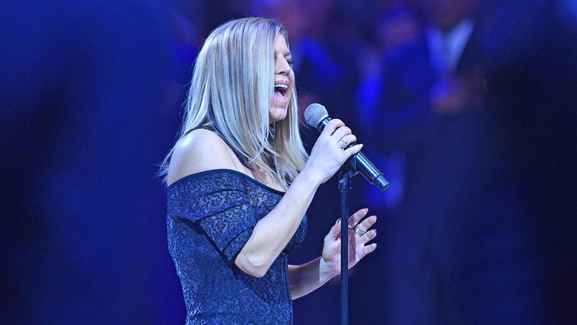 """""""La peor de la historia"""": Critican a la cantante Fergie por su interpretación del himno de EE.UU."""