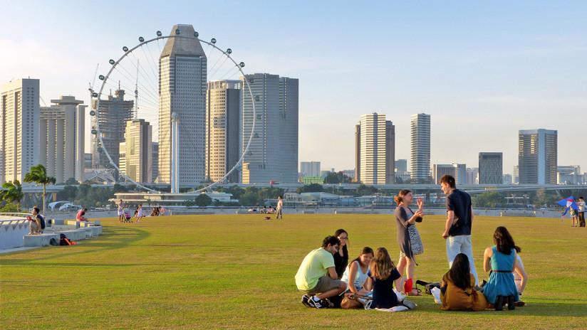 Superávit récord: El Gobierno de Singapur repartirá dinero entre la población