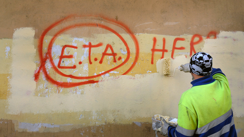 España: ETA vota su desaparición como organización