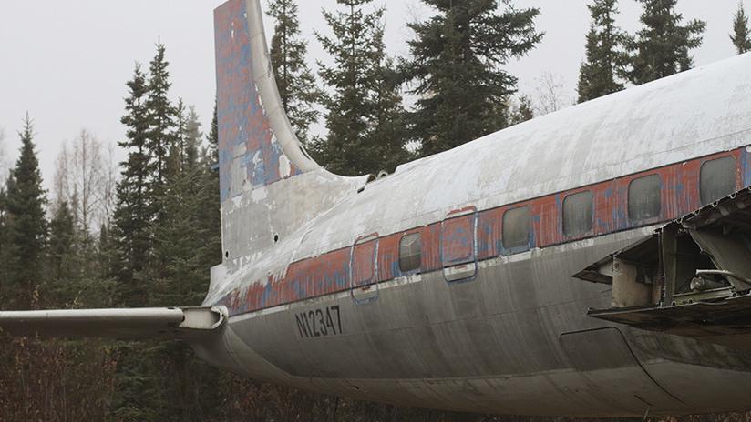 Un Boeing 737 aparece abandonado en Indonesia y nadie puede explicar su presencia