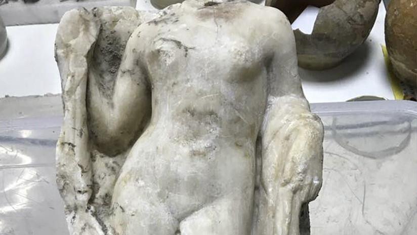"""""""El hallazgo más bello"""": Descubren una estatua de Afrodita en las obras del metro de Salónica"""