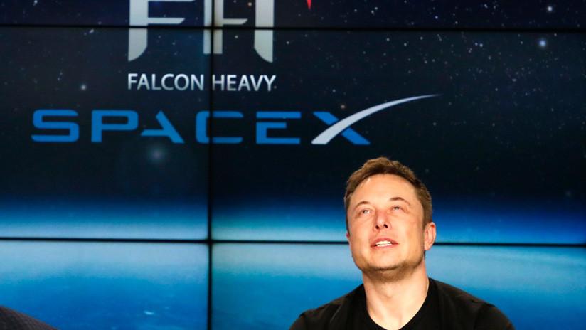 Elon Musk revela 'accidentalmente' la contraseña del wifi de Starlink, su servicio de Internet