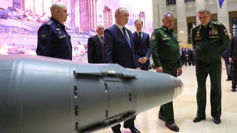 Un programa estatal secreto de armamento fue firmado por Vladímir Putin