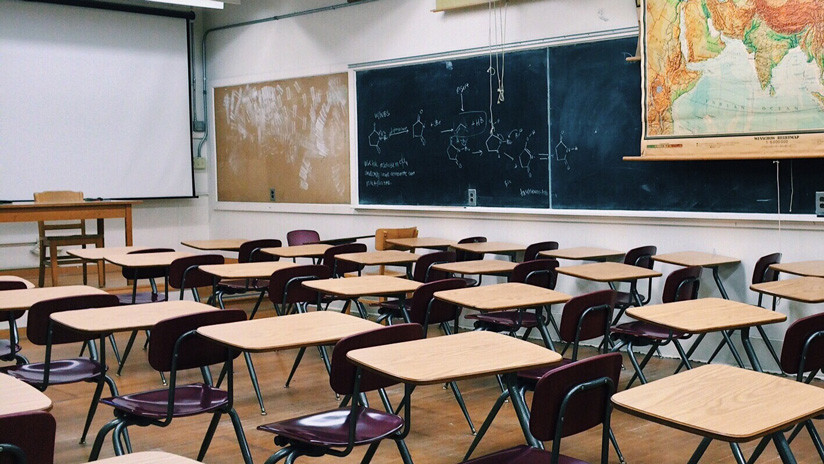Suspenden a un profesor en Texas por grabar una pelea de sus alumnos en clase (VIDEO)