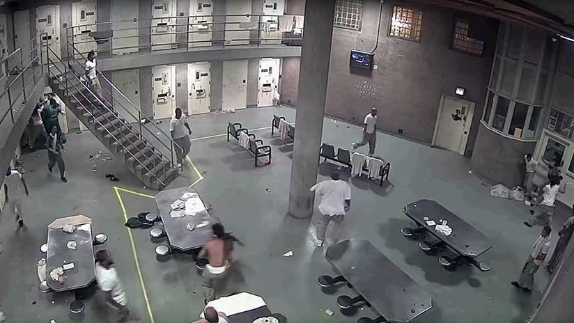 VIDEO: Brutal pelea entre reos en una prisión de máxima seguridad en Chicago