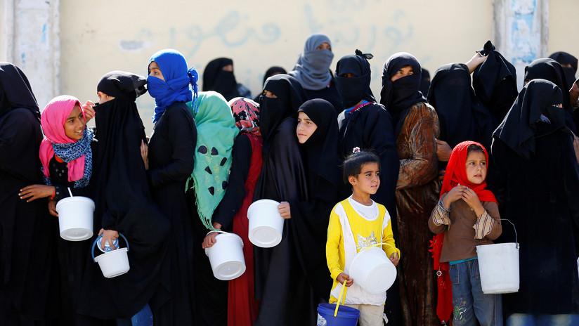 Empleados de la ONU entregan alimentos a mujeres y niñas sirias a cambio de sexo