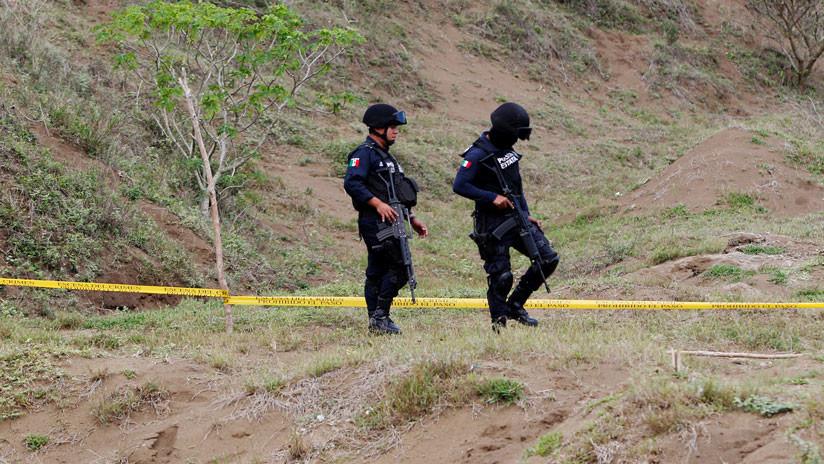 """""""¡Se están acercando!"""": La desesperación de unos policías acorralados por narcotraficantes en México"""