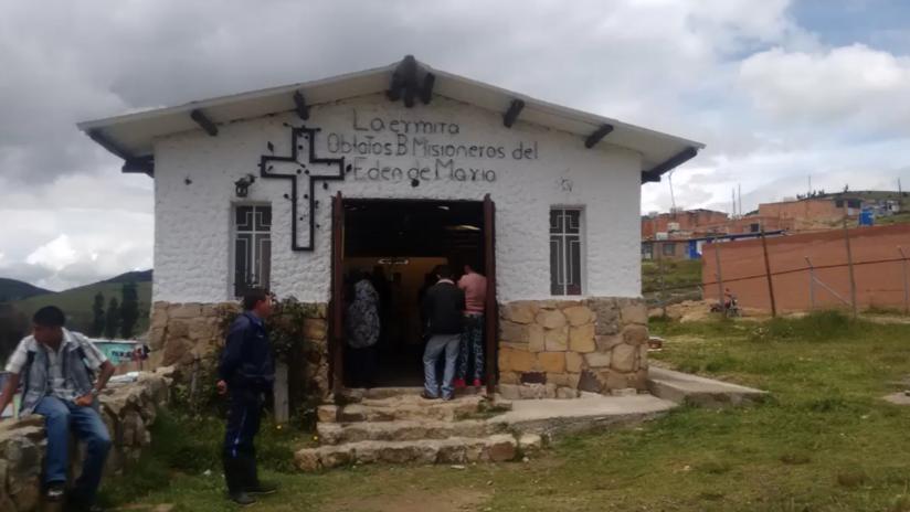 """Asesinan a tiros a un campanero de Colombia en plena misa y nadie escucha """"nada"""""""