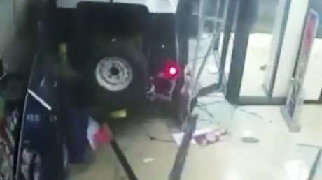 9c30ea947d75 Una selfi evita que ladrones se salgan con la suya tras robar joyas ...