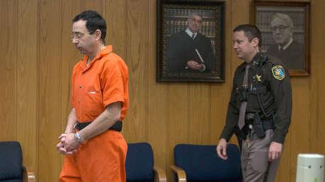 Larry Nassar entra a la Corte de Eaton County para la fase final de su sentencia. 5 de Febrero, 2018,