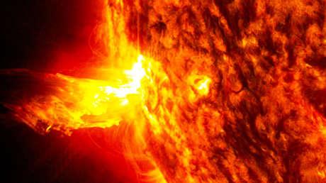 Una eyección de masa coronal en el Sol, el 20 de junio de 2013.