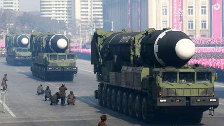 Misil balístico Hwasong-15 durante un desfile militar, en Pyongyang, el 8 de febrero de 2018.