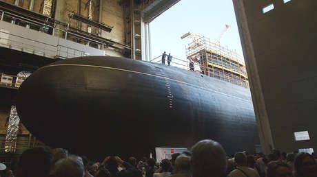 Astilleros de San Petersburgo botan el submarino diésel-eléctrico de ataque 'Kolpino' del proyecto 636.3.
