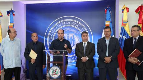 El diputado opositor Julio Borges, luego de la reunión con el gobierno venezolano en República Dominicana el 31 de enero de 2018.