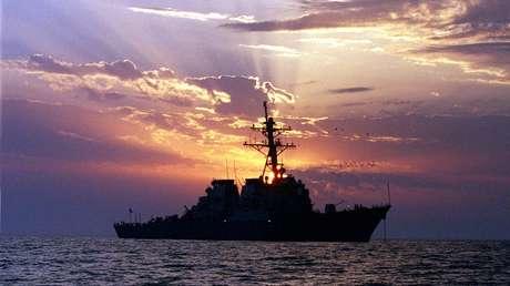 El destructor USS Carney