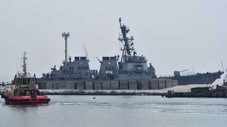 El destructor USS Carney.