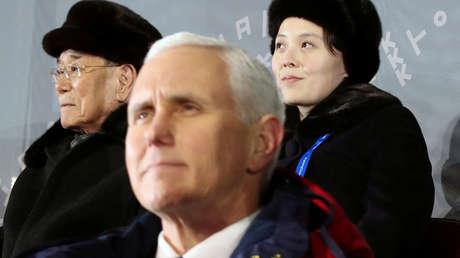 El vicepresidente de EE.UU., Mike Pence, el líder nominal de Corea del Norte, Kim Yong-nam y la hermana menor de Kim Jong-un, Kim Yo-jong, el 9 de febrero de 2018.