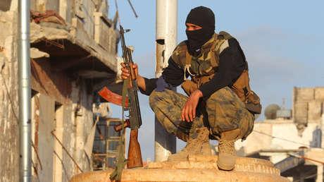 Un miembro del Frente Nusra en la provincia de Idlib el 29 de mayo de 2015.