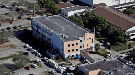 Vista aérea del Instituto Marjory Stoneman Douglas tras la matanza en Parkland (Florida). 16 febrero 2018.