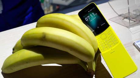 El Nokia 8110, presentado durante el Mobile World Congress de Barcelona, España, 25 de febrero de 2018