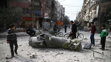 Restos de un proyectil en la ciudad siria de Duma, Guta Oriental