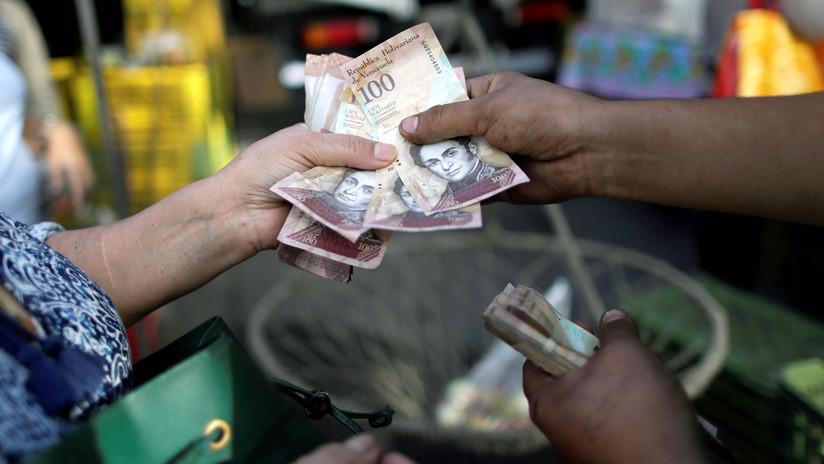 """Venezuela: Las remesas """"bajo cuerda"""" abren una nueva grieta en la economía"""