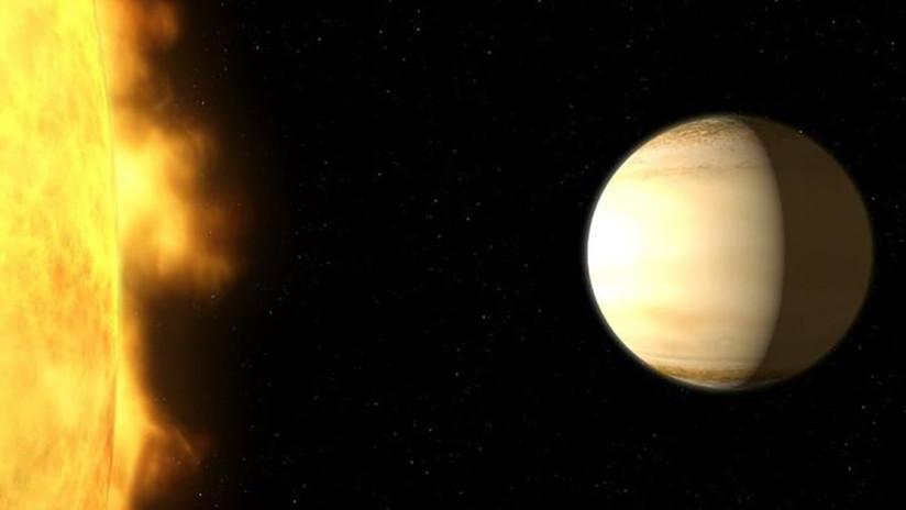 Descubren una enorme cantidad de agua en un exoplaneta similar a Saturno