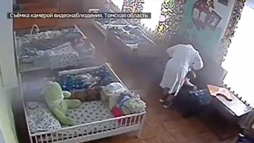 VIDEO BRUTAL: Una enfermera da una cruel paliza a un niño discapacitado en un orfanato