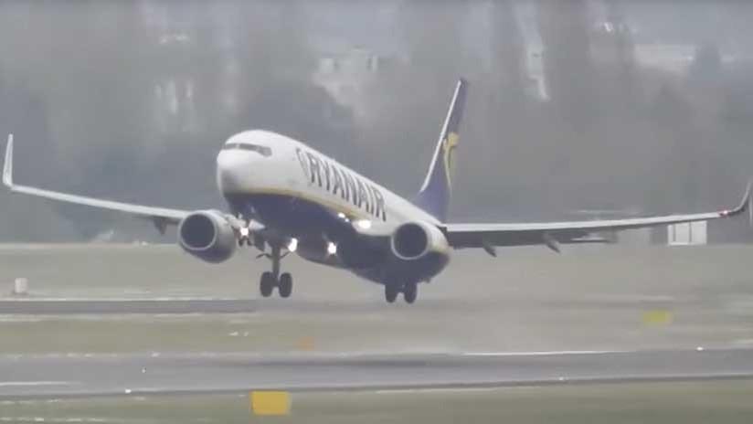 VIDEO: Dramáticos aterrizajes con vientos de más de 80 km/h en Reino Unido