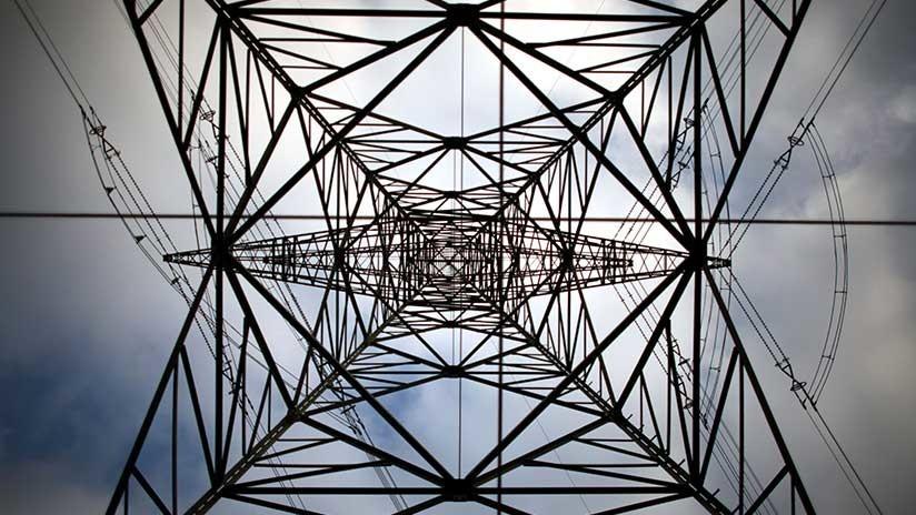Insólito: Una descarga de 11.000 voltios le produce un ligero hormigueo