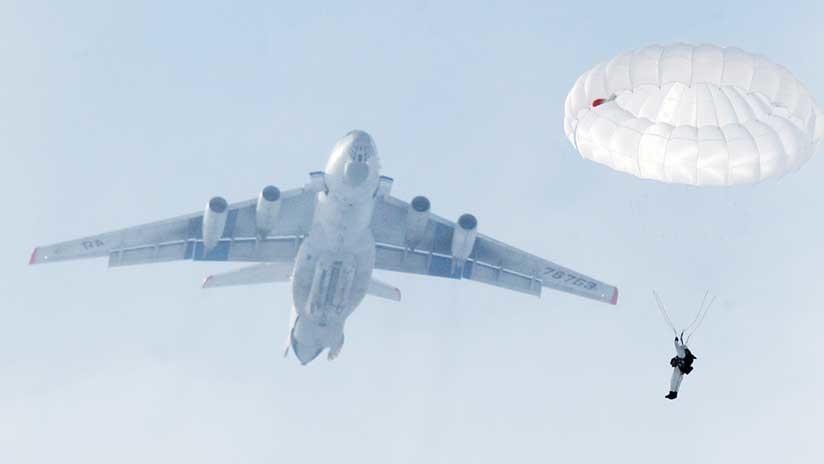 Ejército ruso será la única fuerza del mundo que podrá desembarcar equipos pesados desde aviones