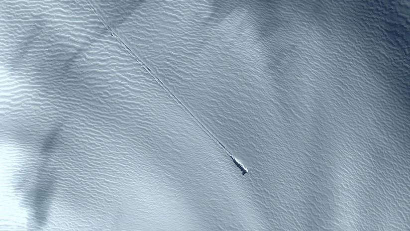 Una supuesta nave espacial en la Antártida es furor en YouTube