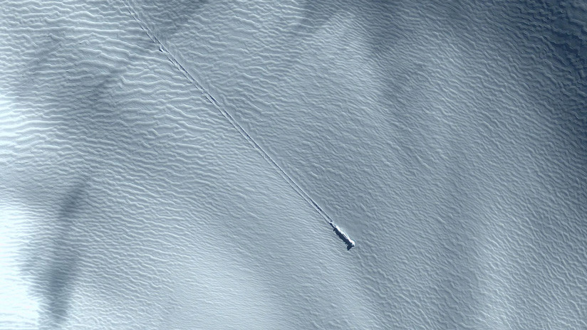 ¿Primero encuentran una 'megaciudad' en Antártida y ahora una nave espacial? (VIDEO)