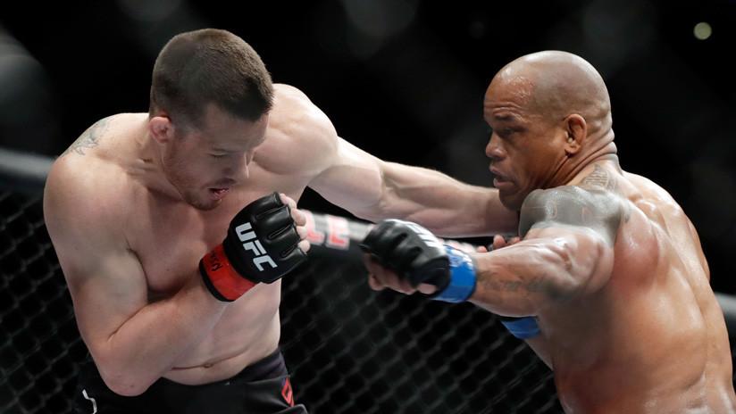 Descalifican a un luchador de UFC por noquear a su rival fuera de tiempo (VIDEO)