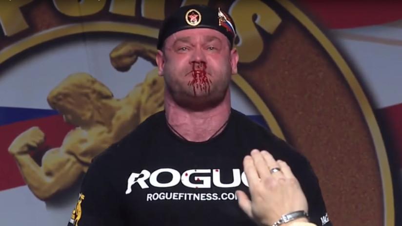Un levantador de potencia levanta 426 kilógramos y sangra por la nariz (VIDEO)