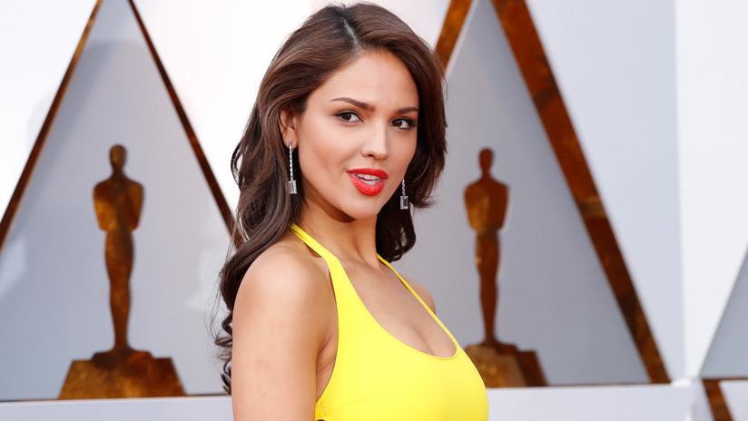 FOTOS: Oleada de memes por el vestido de la actriz mexicana Eiza González en los Óscar