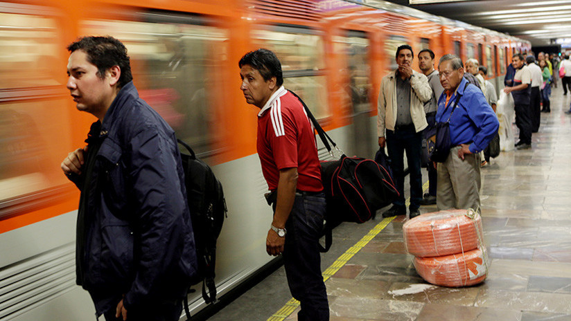 FOTOS: Desalojan una estación de metro en la Ciudad de México