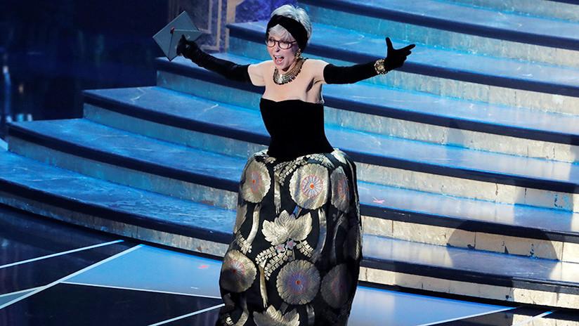 La actriz puertorriqueña Rita Moreno asiste a los Óscar con el mismo vestido que usó en 1962