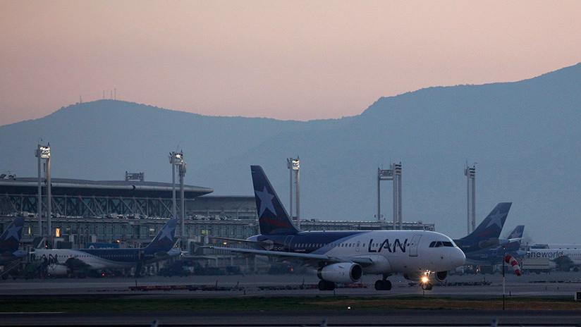 El drama de 62 haitianos que llevan tres días varados en un aeropuerto de Chile