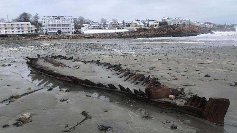FOTOS: Una tormenta descubre en EE.UU. el 'esqueleto' de un barco de la Guerra de la Independencia