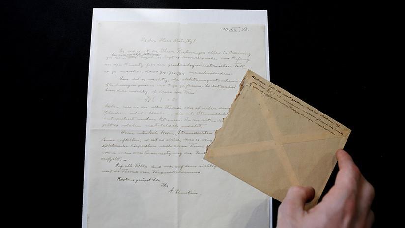 FOTOS: Subastan en Jerusalén cartas de admiración y aliento escritas por Albert Einstein